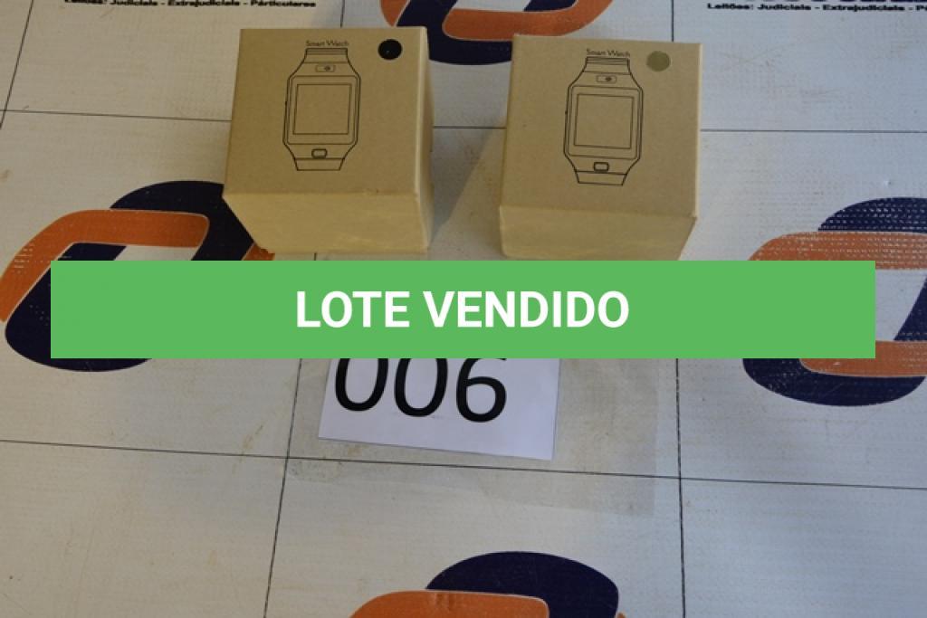 LOTE 006 - 02 RELÓGIOS SMART WATCH, SENDO 01 COM VISOR NA COR PRETA E 01 NA COR DOURADA. (NO ESTADO)